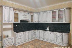 Кухня массив с патиной Афина - Мебельная фабрика «Люкс-С»