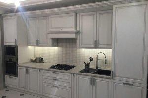 Кухня МДФ с патиной серебро. - Мебельная фабрика «Люкс-С»