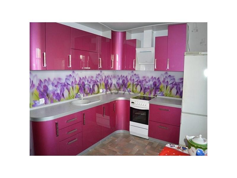 Розовая угловая кухня
