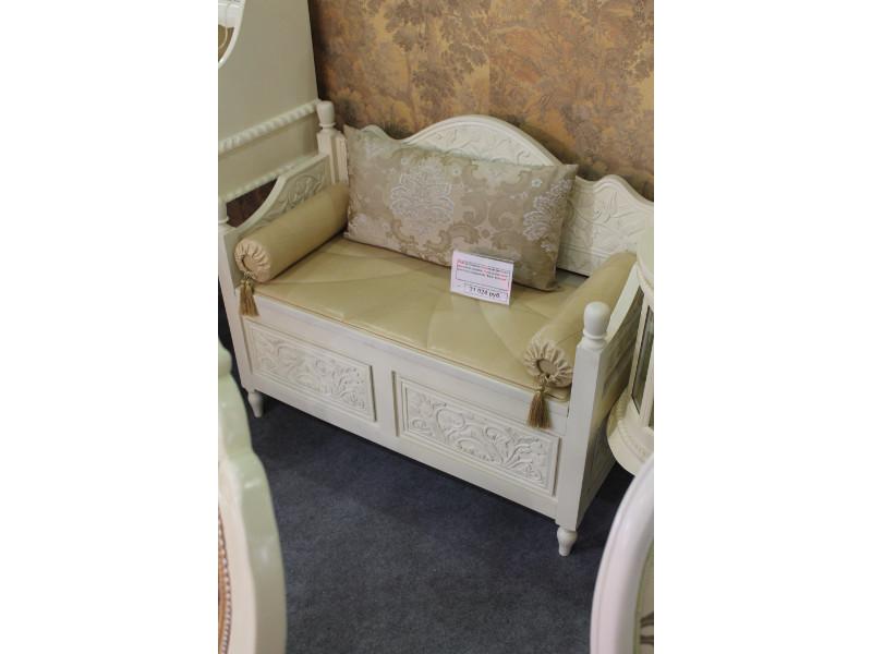 Мебельная выставка Москва: скамья с ящиками