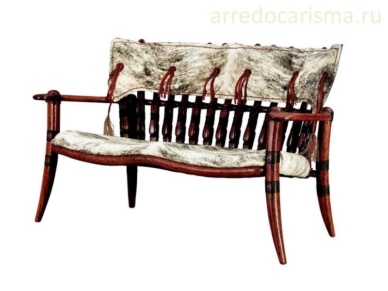 диван из массива пальмы и шкур