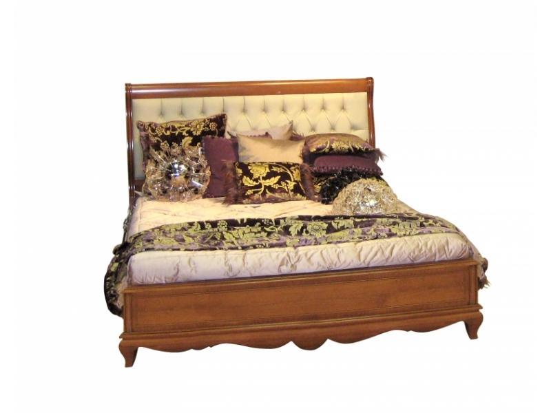 Кровать с изголовьем капитоне