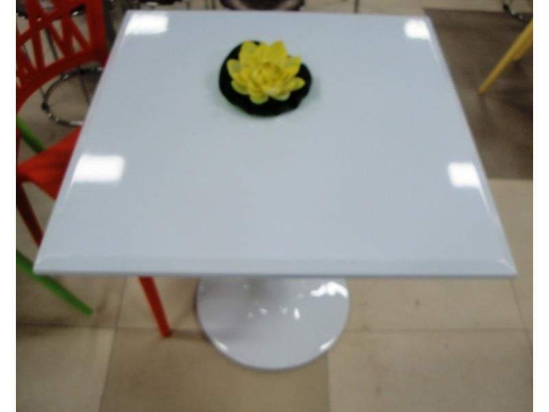 Стол из глянцевого пластика «Белый»
