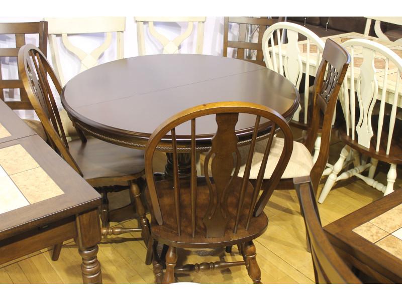 Мебельная выставка Ялта (Крым): стол, стулья