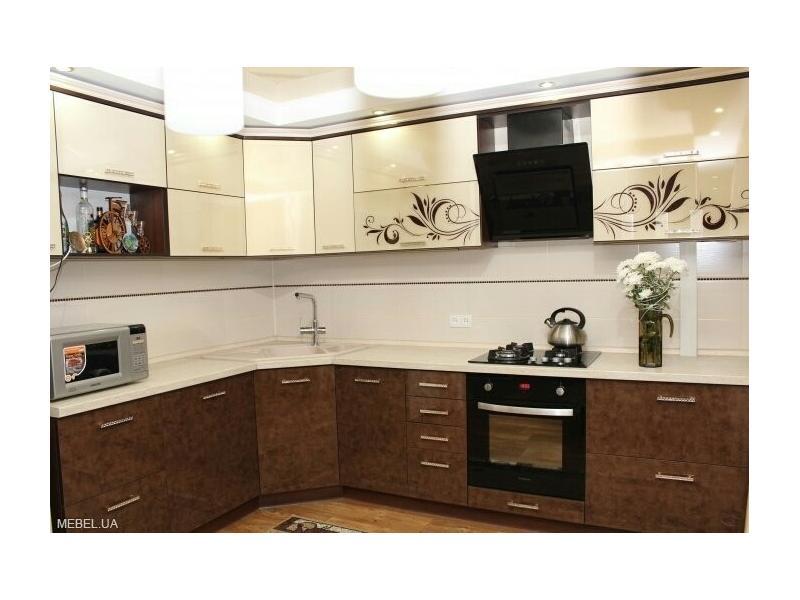 кухня угловая большая фото