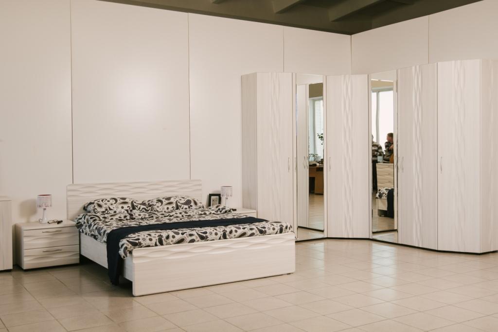 Спальный гарнитур Бриз