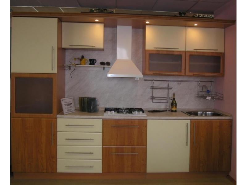 Кухонный гарнитур прямой 38