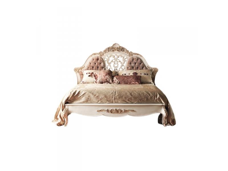 Кровать с резьбой