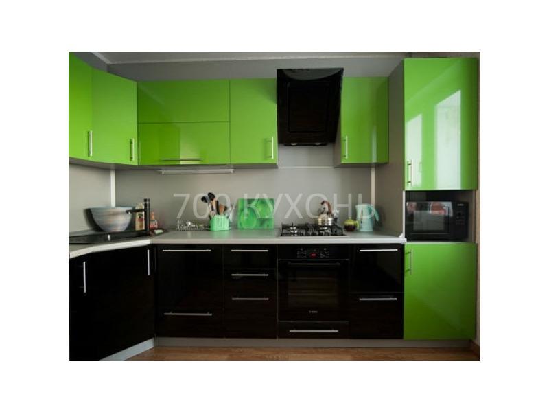 Черно-зеленая угловая кухня