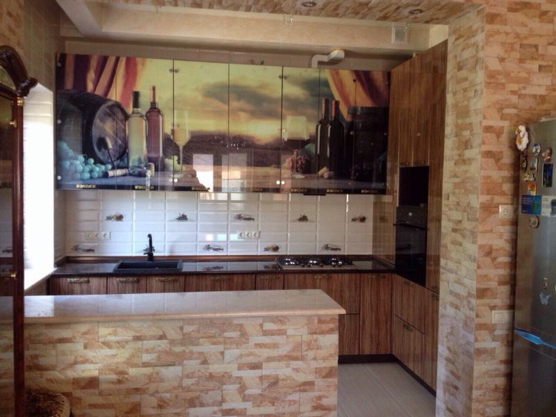 Кухня прямая с фотопечатью