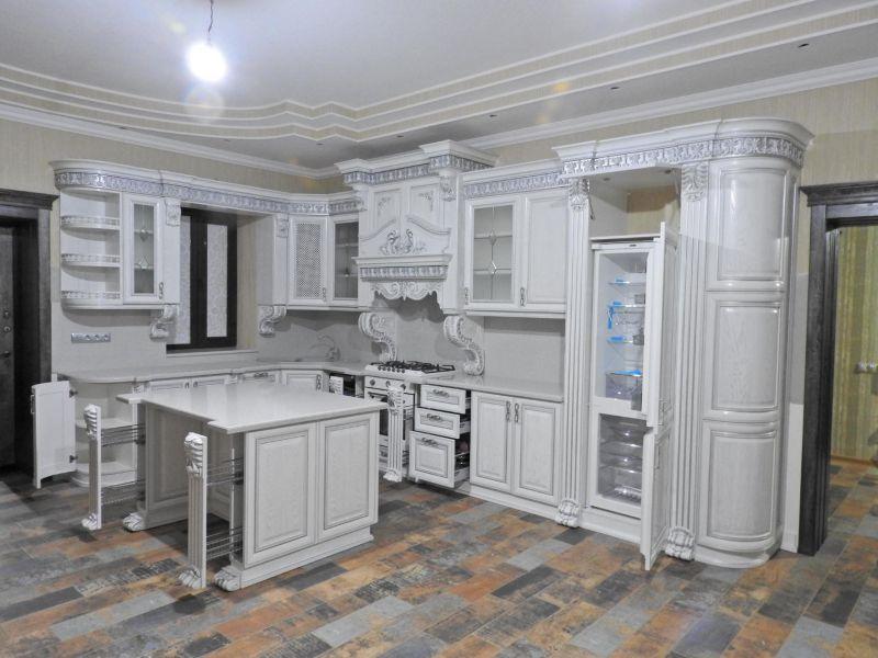 Кухня угловая из массива классическая