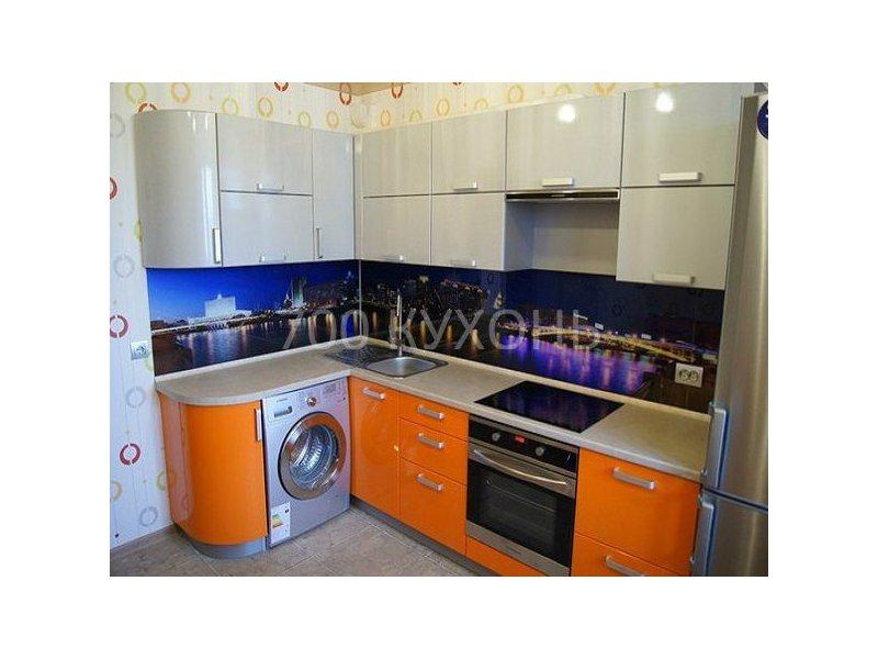 Кухонный гарнитур угловой бело-оранжевый