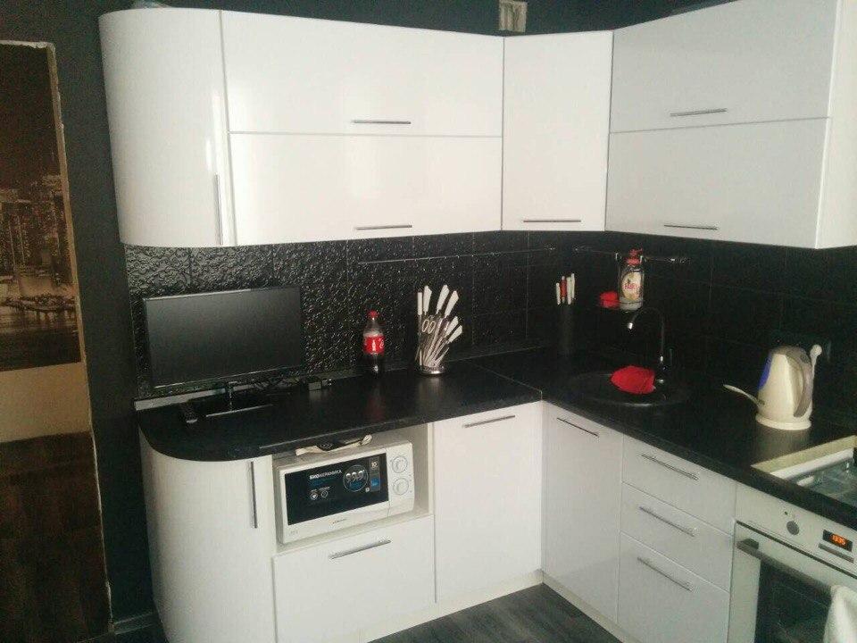 мебельная фабрика Idea г ульяновск черно белая угловая кухня