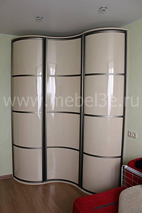 Купить угловой радиусный шкаф с распашными дверями в москве.