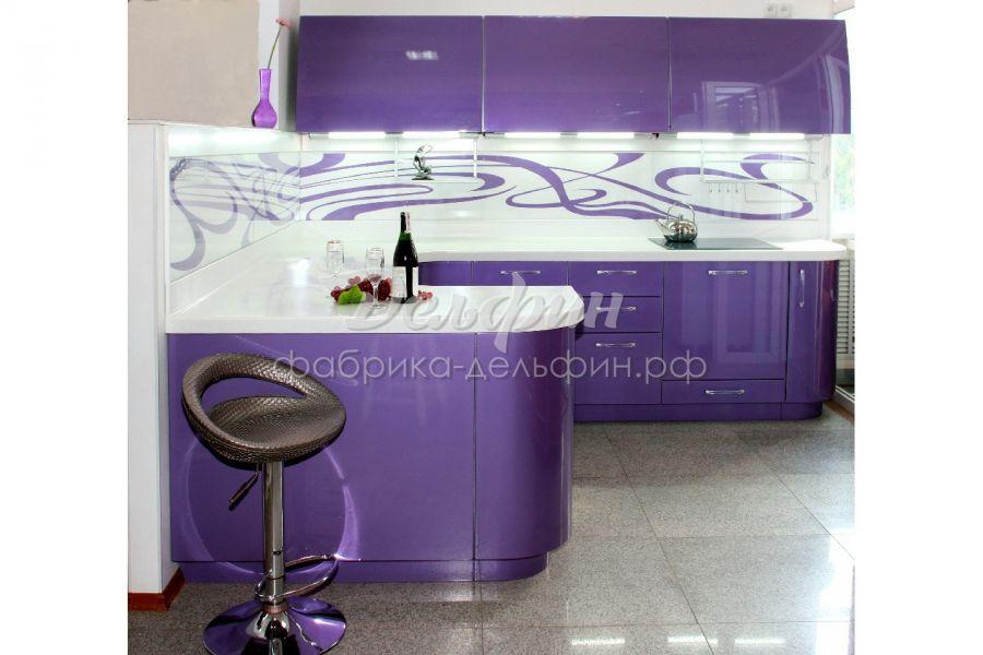 Радиусная фиолетовая кухня