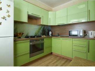 Угловая зеленая  кухня Модерн    - Мебельная фабрика «Найди»