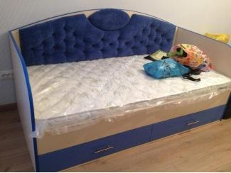 Кровать подростковая 37 с каретной стяжкой - Мебельная фабрика «Авангард»