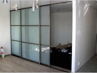 Шкаф-купе со стеклянными фасадами  - Мебельная фабрика «Мебель-ОС»