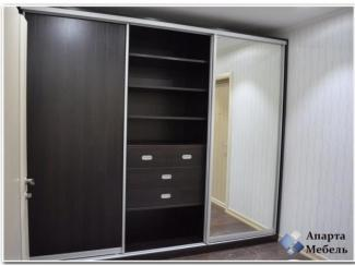 Шкаф-купе единой конструкции, трехсекционный - Мебельная фабрика «Апарта Мебель»
