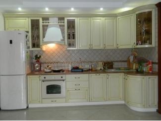 Светлая кухня из массива Колизей - Мебельная фабрика «Массив»