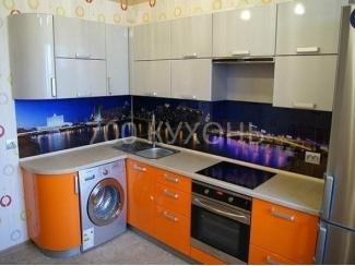 Оранжево-белая угловая кухня  - Мебельная фабрика «700 Кухонь»