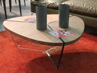 Мебельная выставка Москва: журнальный столик