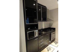 Прямая кухня глянец черный - Мебельная фабрика «Уют»