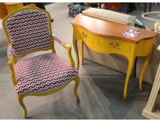 Мебельная выставка Москва: кресло, столик