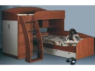Удобный комплект мебели для детской 14