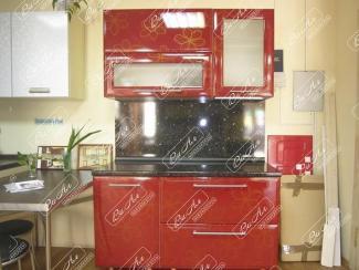 Кухня красная с цветами