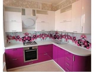Яркая розовая кухня  - Мебельная фабрика «700 Кухонь»