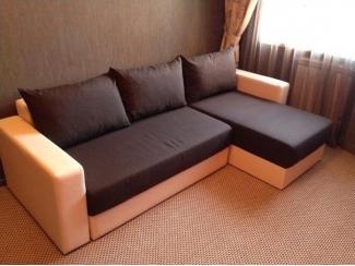Удобный диван с оттоманкой
