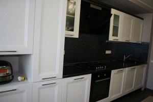 Прямая черно-белая кухня - Мебельная фабрика «МиАн»