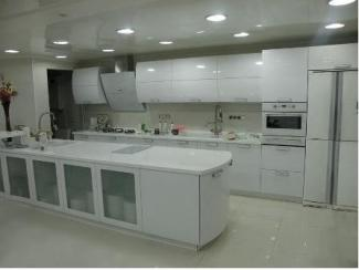 Белый кухонный гарнитур с фасадами из стекла Сити - Мебельная фабрика «Илья-Сейф (Добрые кухни)»