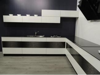 Кухня Di Vetro с фасадами из стекла - Мебельная фабрика «BestLine»