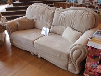Мебельная выставка Ялта (Крым): диван прямой - Мебельная фабрика «Angelo Astori»