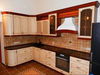 Кухня М Стиль массив - Мебельная фабрика «Илья-Сейф (Добрые кухни)»