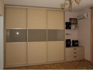Вместительный шкаф-купе в прихожую  - Мебельная фабрика «700 Кухонь»