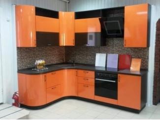 Кухонный гарнитур Стелла с фасадами из итальянского пластика  - Мебельная фабрика «Формула Уюта»