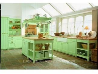 Угловая кухня кантри из массива 1577 - Мебельная фабрика «ЛюксБелМебель»