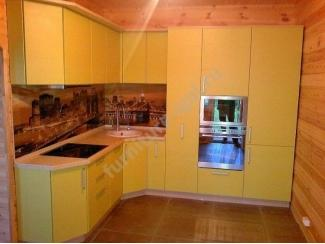 Угловая желтая кухня