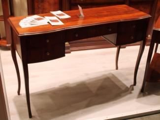 Мебельная выставка Москва: стол - Мебельная фабрика «Дана»