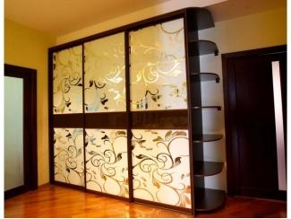 Большой шкаф с пескоструйным рисунком  - Мебельная фабрика «Интерьер»