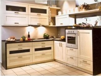 Небольшая кухня из массива 1596 - Мебельная фабрика «ЛюксБелМебель»