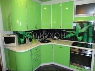 Зеленая угловая кухня Волна  - Мебельная фабрика «700 Кухонь»