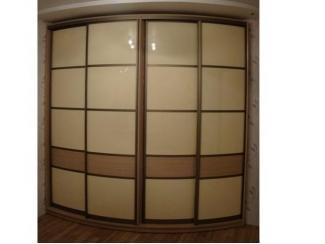 Радиусный шкаф с матовым акрилом - Мебельная фабрика «ТРИ-е»