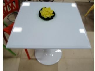 Стол из глянцевого пластика «Белый» - Мебельная фабрика «Династия»
