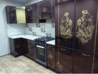 Кухня угловая с рисунком из золота - Мебельная фабрика «Мебель России»