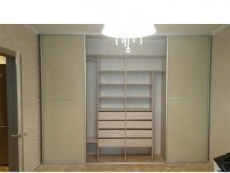 Светлый шкаф-купе - Мебельная фабрика «Елиза»