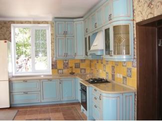 Кухонный гарнитур в голубом цвете  - Мебельная фабрика «Альфа-Пик»
